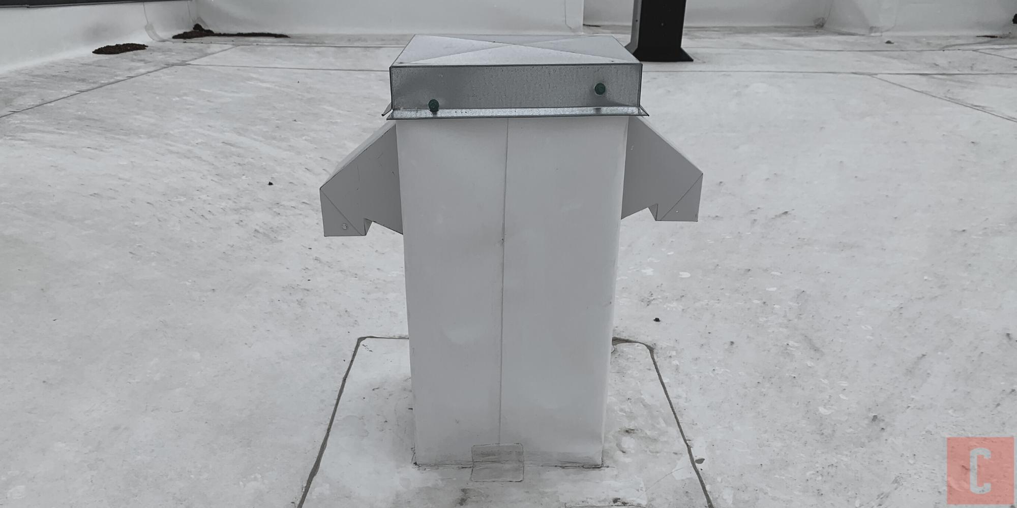 Sortie de ventilation sur un toit plat