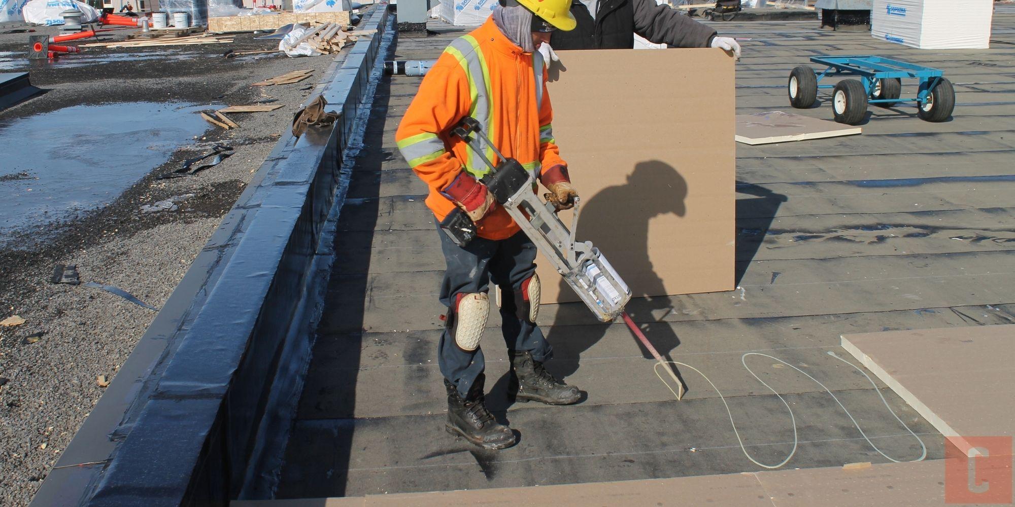 Isolation d'un pontage de toit plat