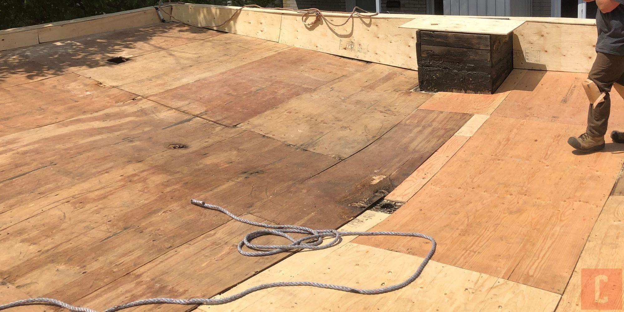 Réparation d'un pontage de toit plat